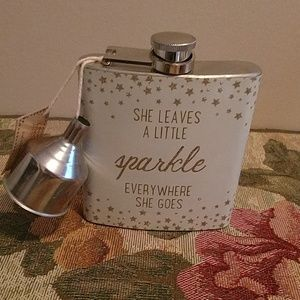 Francesca's collections by natural life flask